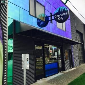 Come visit Seattle's original pot shop the best pot, marijuana & cannabis flowers in the city.